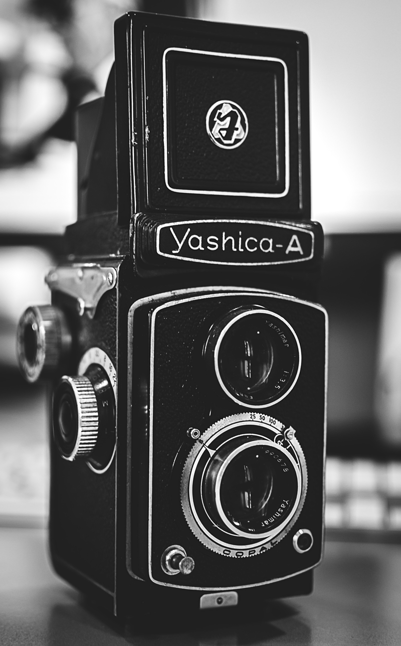 yashica-A-800px